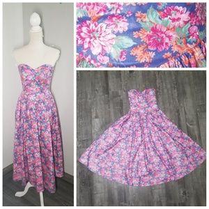 f31dd0ec77 Laura Ashley Vintage Floral Midi Dress Princess